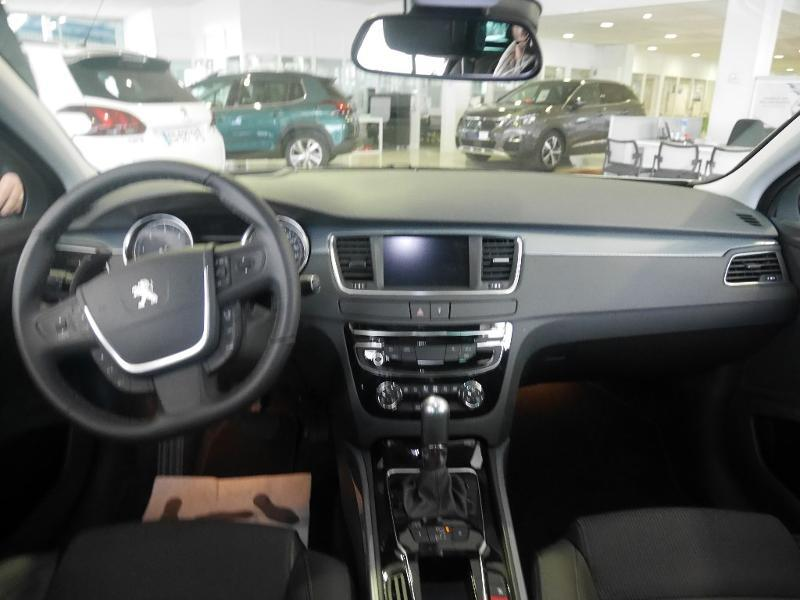 Photo 2 de l'offre de Peugeot 508 SW 1.6 BlueHDi 120ch Allure S&S EAT6 à 24 980 € chez SudOuest Occasions