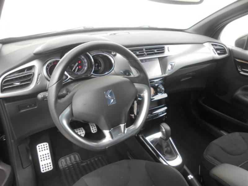 Photo 10 de l'offre de Ds DS 3 Cabrio PureTech 110ch Sport Chic S&S EAT6 à 18 290 € chez SudOuest Occasions