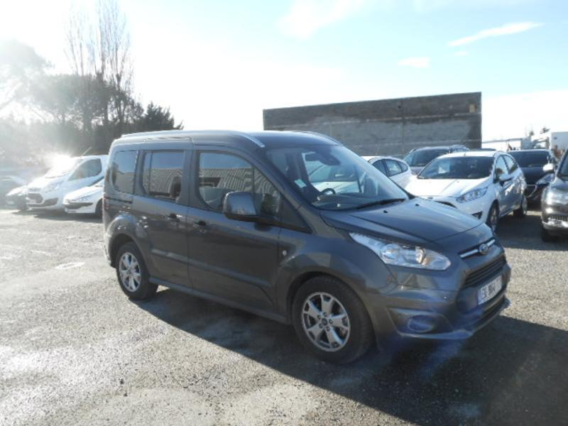 Photo 1 de l'offre de Ford Tourneo Connect 1.5 TD 120ch Stop&Start Titanium Euro6 à 22 980 € chez SudOuest Occasions