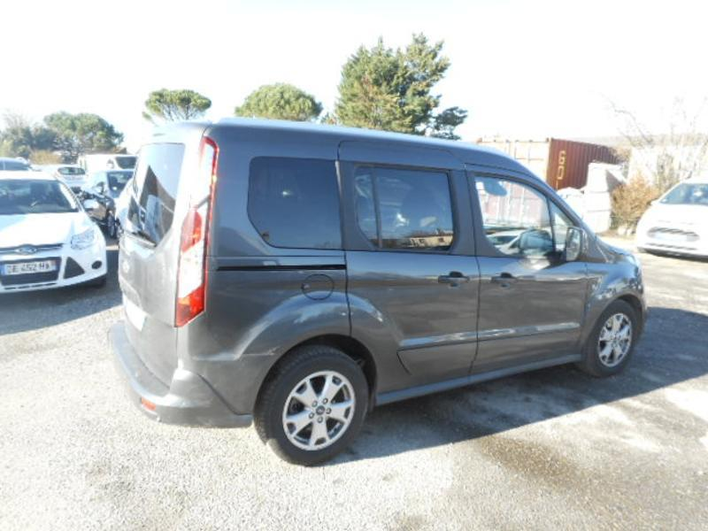 Photo 2 de l'offre de Ford Tourneo Connect 1.5 TD 120ch Stop&Start Titanium Euro6 à 22 980 € chez SudOuest Occasions