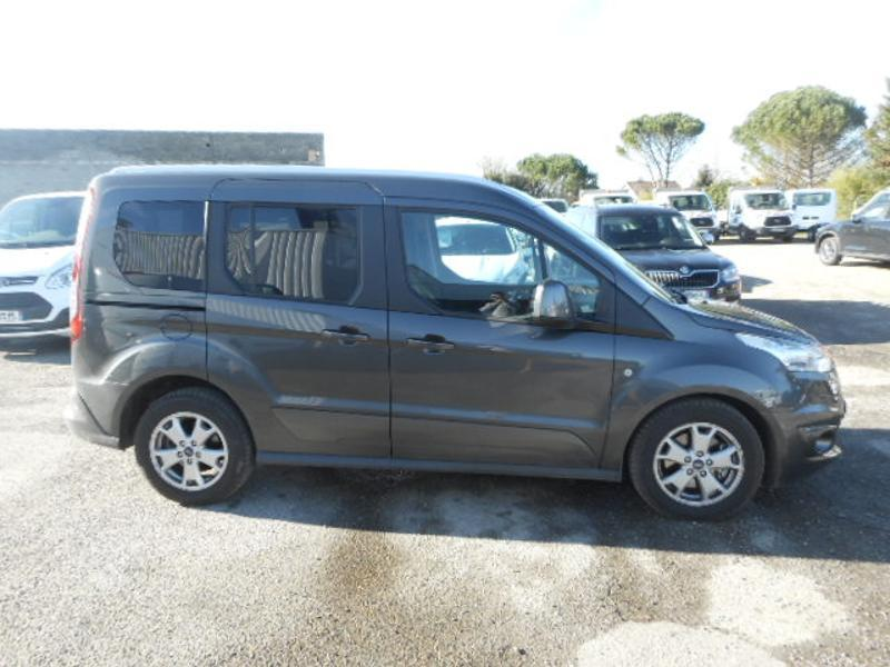 Photo 4 de l'offre de Ford Tourneo Connect 1.5 TD 120ch Stop&Start Titanium Euro6 à 22 980 € chez SudOuest Occasions