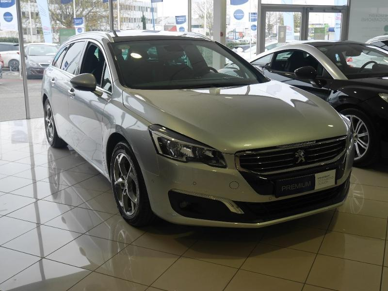 Photo 1 de l'offre de Peugeot 508 SW 1.6 BlueHDi 120ch Allure S&S EAT6 à 24 980 € chez SudOuest Occasions